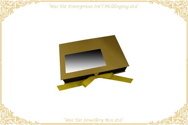 色丁布包咭紙禮品盒