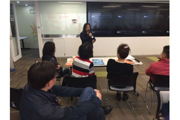 董事鐘偉馨小姐拜訪網絡營運公司並發表演講。